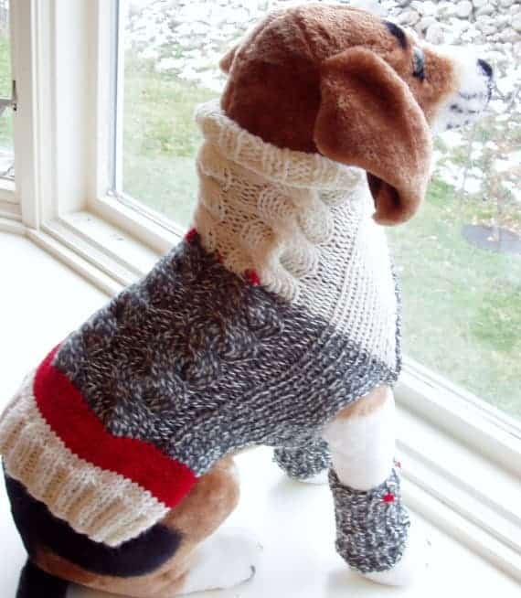 Dog sweater with leg warmers